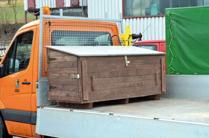 holz fahrzeugbox baustellenkiste krankiste werkzeugkiste mit seitent r ebay. Black Bedroom Furniture Sets. Home Design Ideas